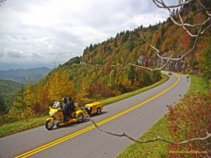 Motorcycle Ride on the Blue Ridge Parkway - 800x600